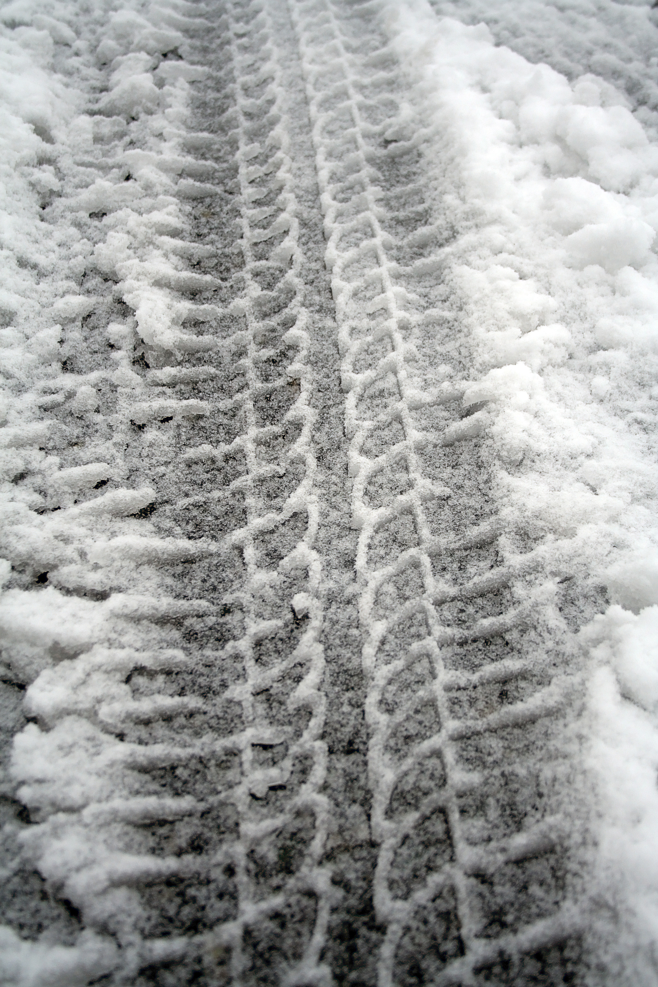 snow tire tread